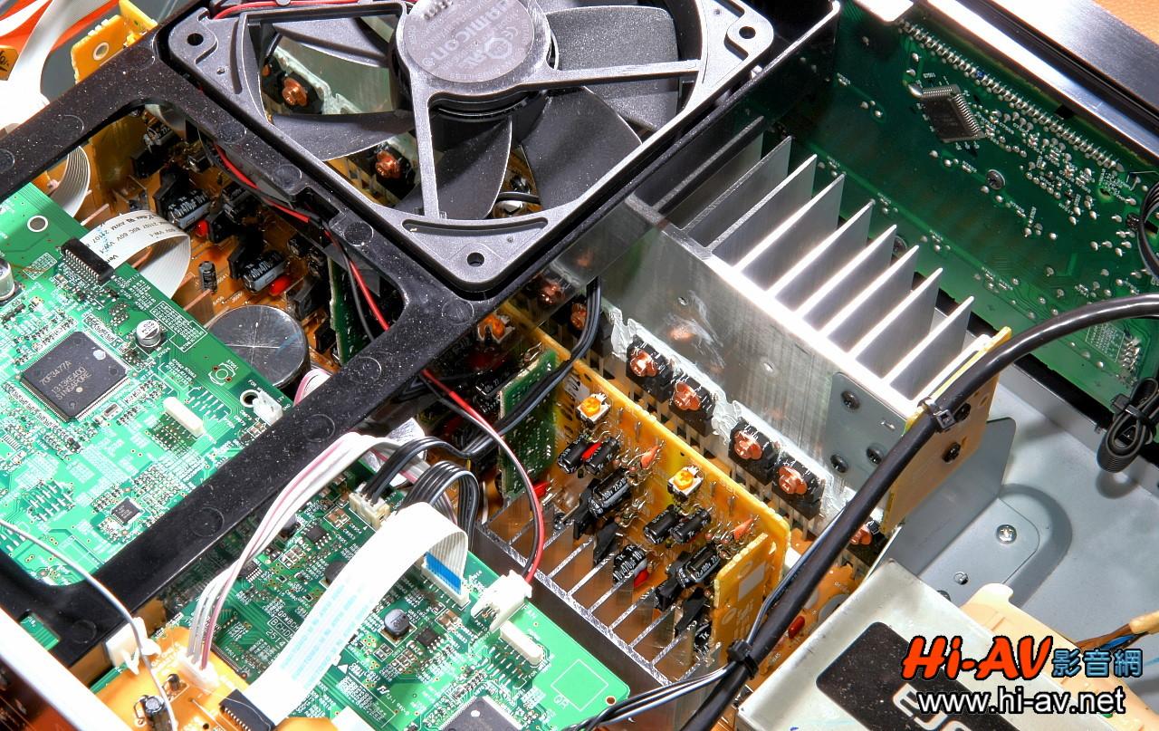 其功率放大电路设计仍维持原厂一贯自豪的「wrat宽频